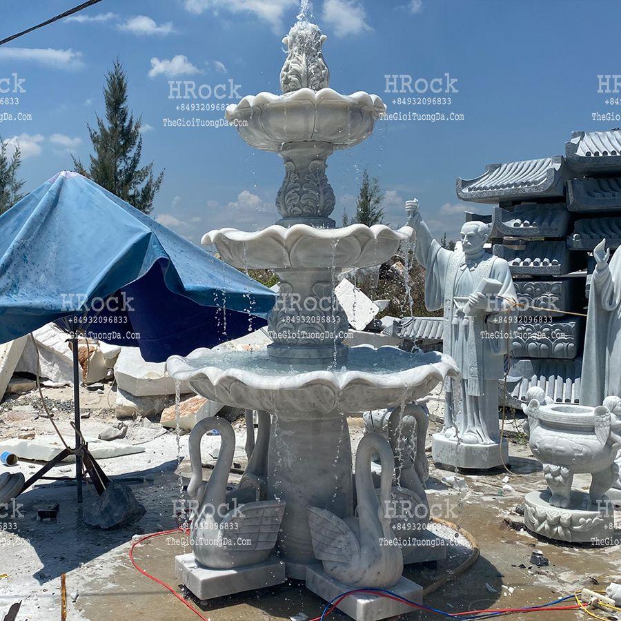 Tháp Nước Thiên Nga Bằng Đá