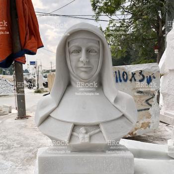 Tượng Thánh Nữ Mackillop Bằng Đá